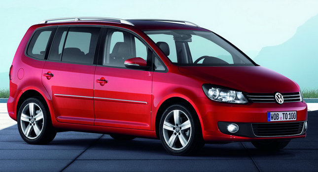 107 santorini car hire vw touran diesel 7seats